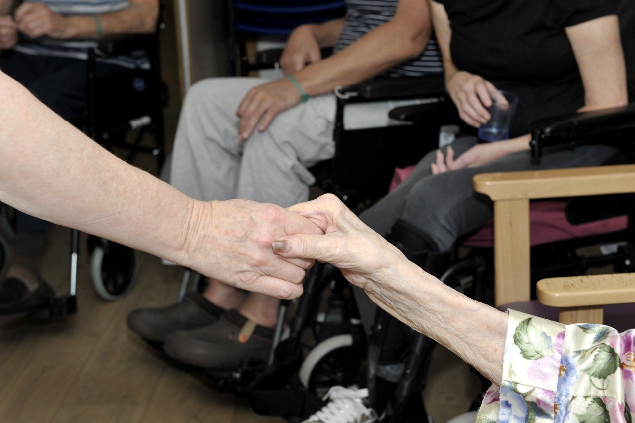 Arts to Improve health and wellbeing in social care Welsh NHS Confederation Briefing Paper